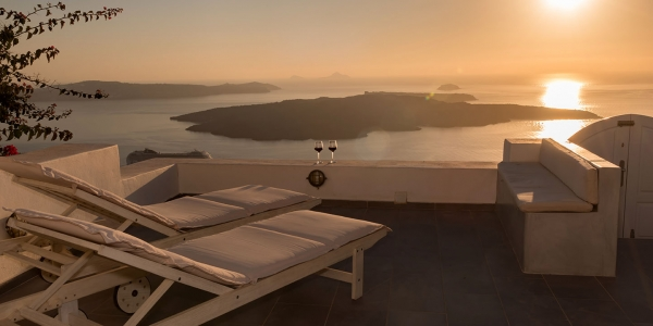 Santorini villa sleeps 2 people